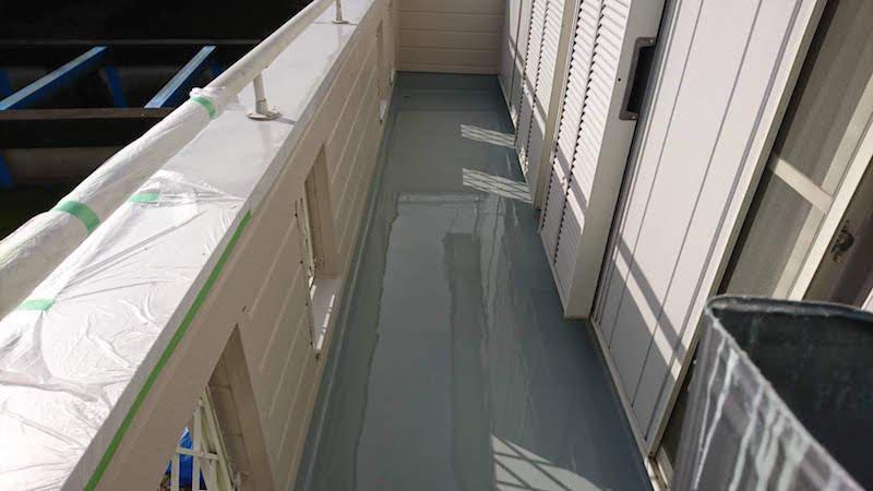 ベランダウレタン防水の施工後の様子