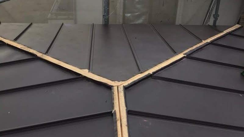 棟の貫板の設置