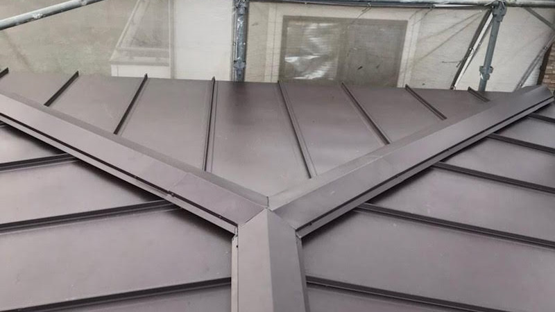 屋根カバー工法施行後の様子