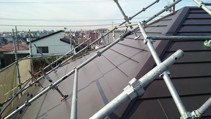 ガルバリウム鋼板屋根の施工後の様子