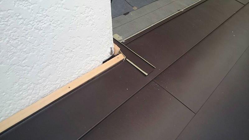 ガルバリウム鋼板の下地の設置