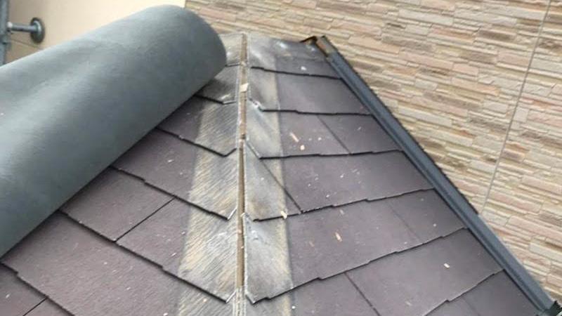 玄関の屋根の棟下地の撤去