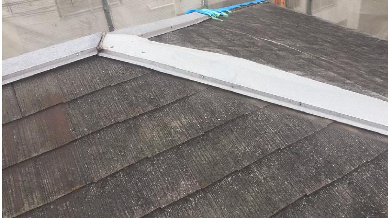 埼玉県八潮市の屋根カバー工法リフォームの施工前の様子