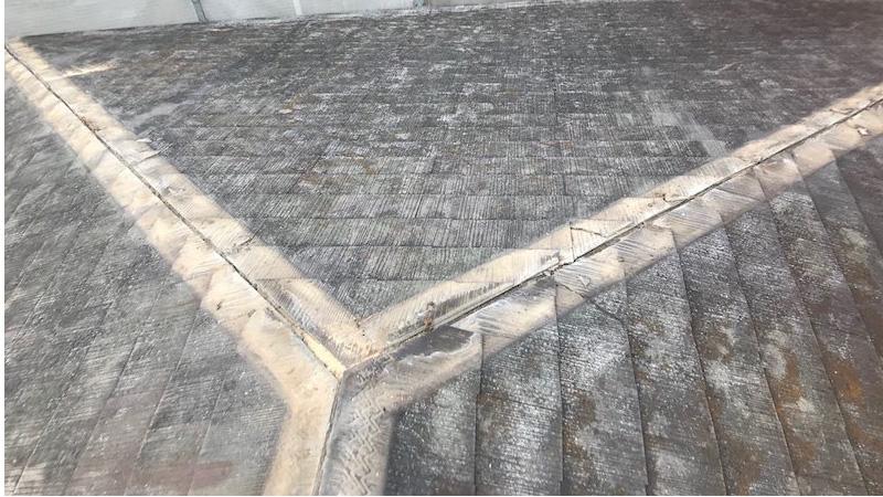埼玉県八潮市の屋根カバー工法リフォームの屋根板金の撤去