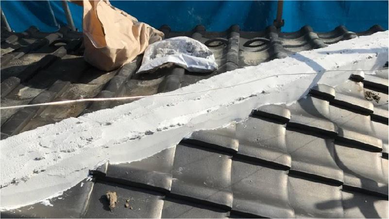 屋根漆喰の設置