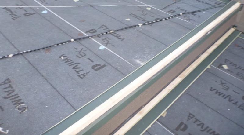 屋根カバー工法の下地板の設置
