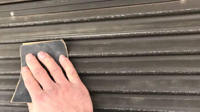 雨戸の塗装