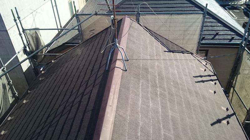 屋根塗装の高圧洗後の様子