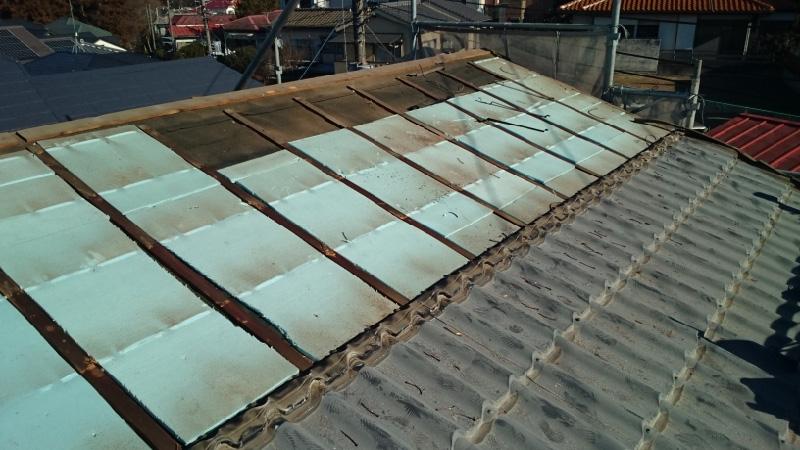 屋根葺き替え工事の屋根材の撤去