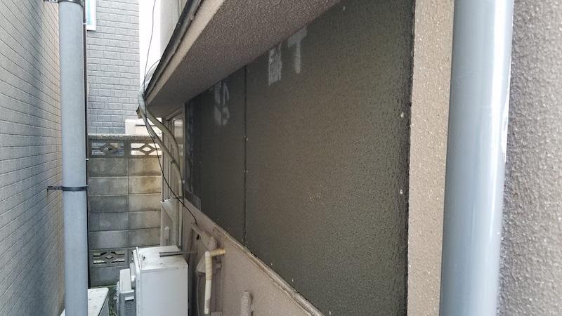 外壁のラスカットの設置