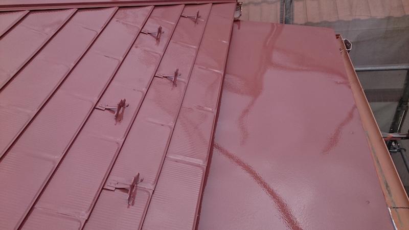 屋根塗装工事の上塗り