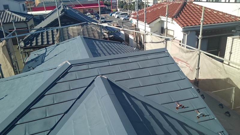 金属屋根の施工前の様子
