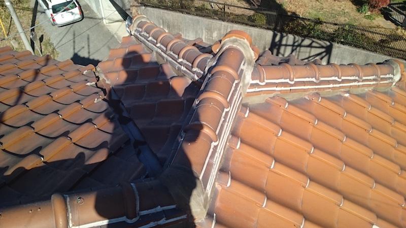 柏市の瓦屋根の葺き替え工事の施工前の様子