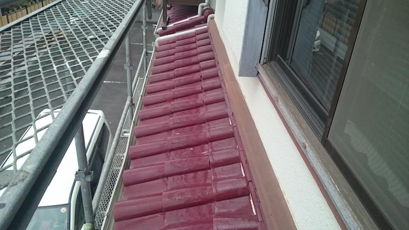屋根葺き替え工事の施工前の瓦屋根
