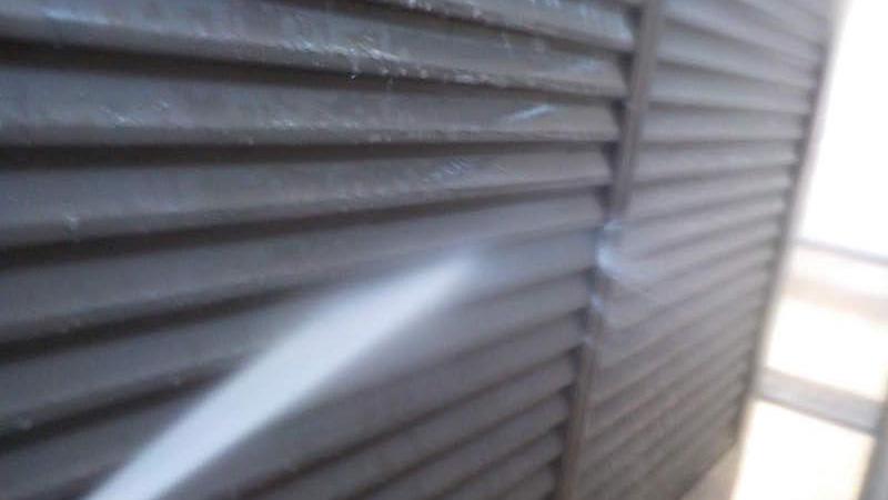 雨戸の高圧洗浄