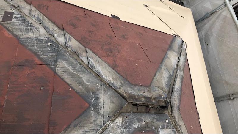 屋根カバー工法の屋根板金の撤去