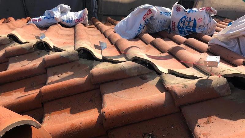 既存の瓦屋根の撤去
