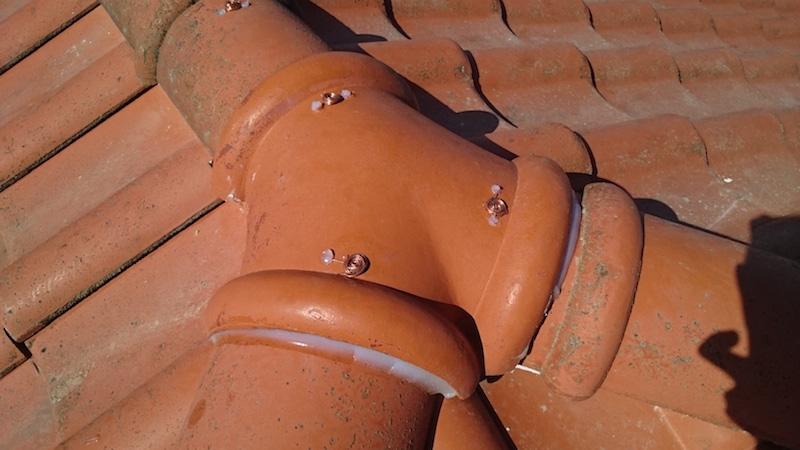 冠瓦の瓦止め工事