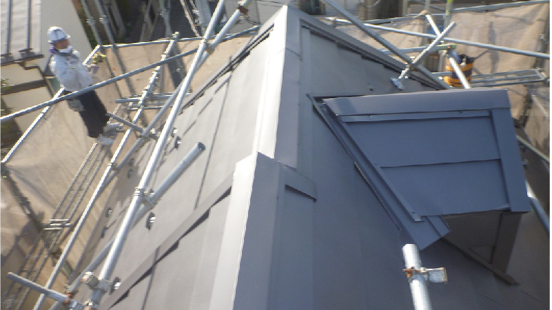 屋根カバー工法施工後の屋根材
