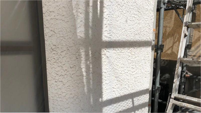 チョーキング現象の発生した外壁