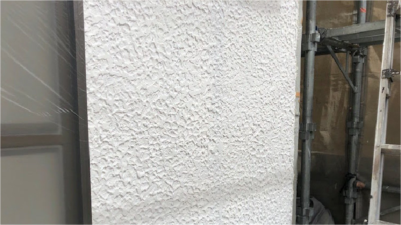 外壁塗装の下塗りの施工後の様子