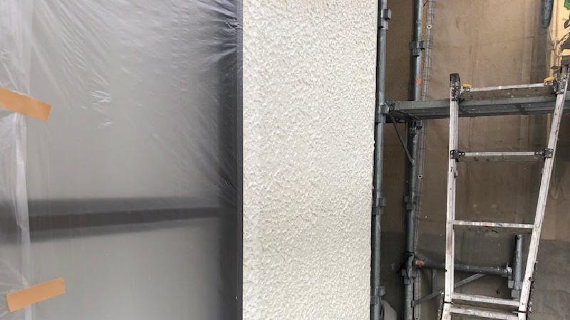 外壁塗装の中塗りの施工後の様子