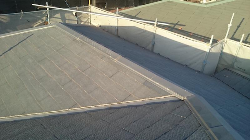 スレート屋根の棟板金の劣化