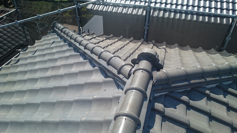 春日部市の屋根葺き替え工事の施工前の様子