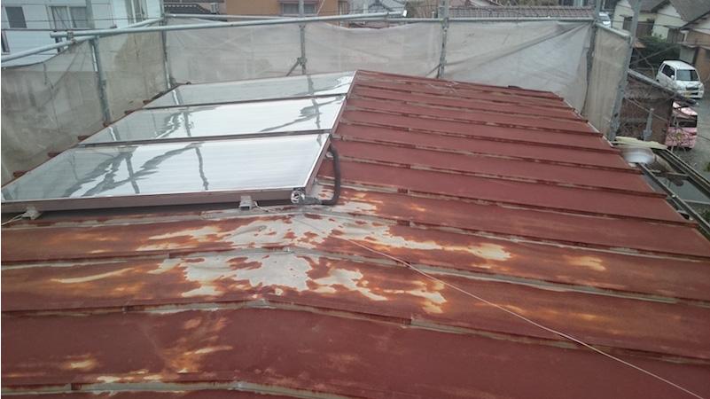 茂原市のトタン屋根の葺き替え工事の施工前の様子