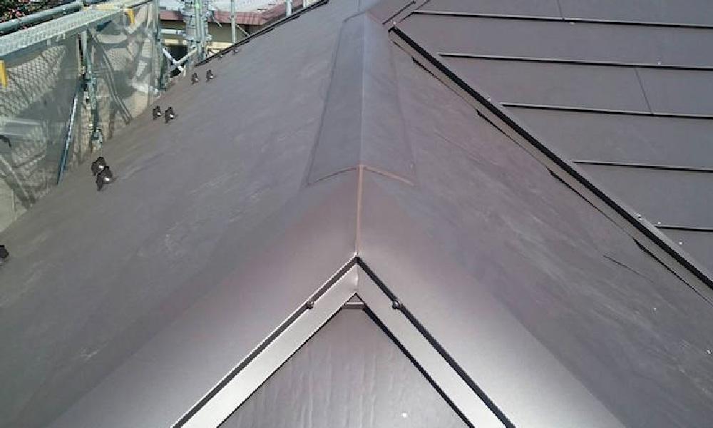 調布市の屋根カバー工法