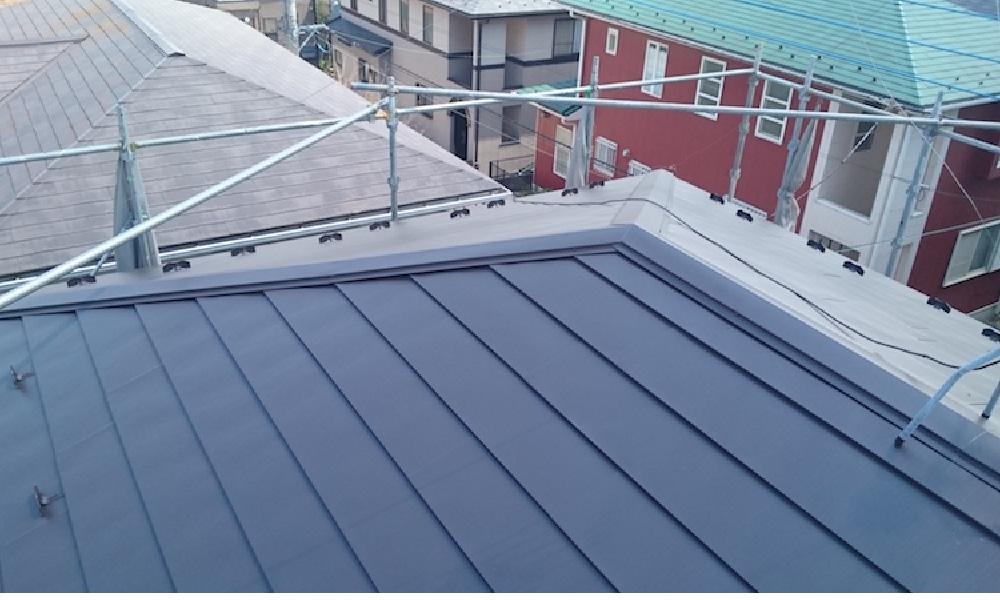 川口市の屋根カバー工法の施工事例