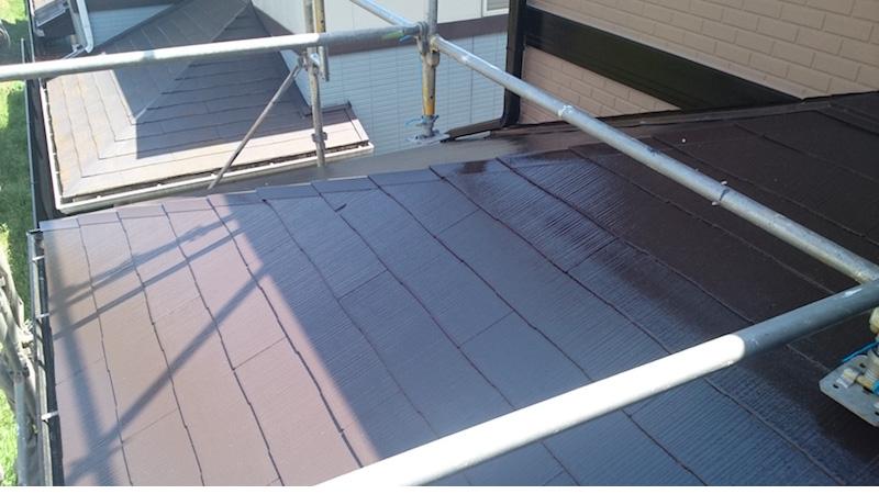 下屋根の屋根塗装の上塗り