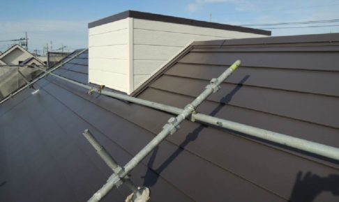 越谷市の屋根カバー工法
