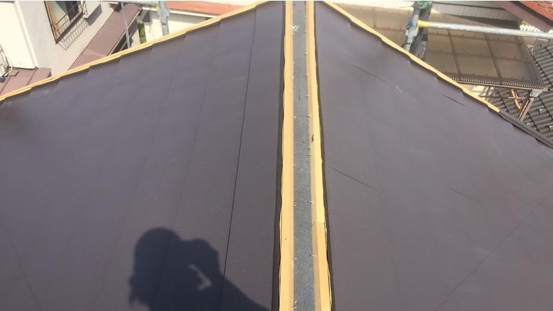 ガルバリム鋼板本体の施工