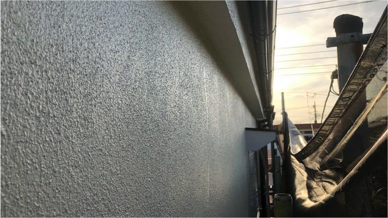 外壁塗装の中塗り後の様子