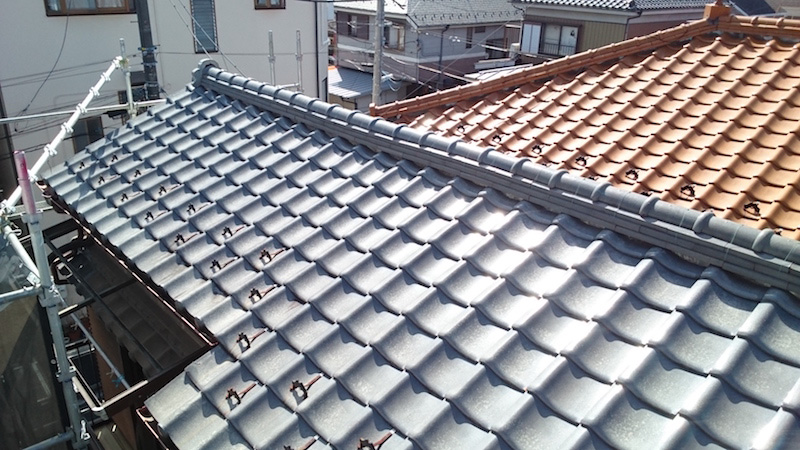 漆喰の剥がれてた瓦屋根