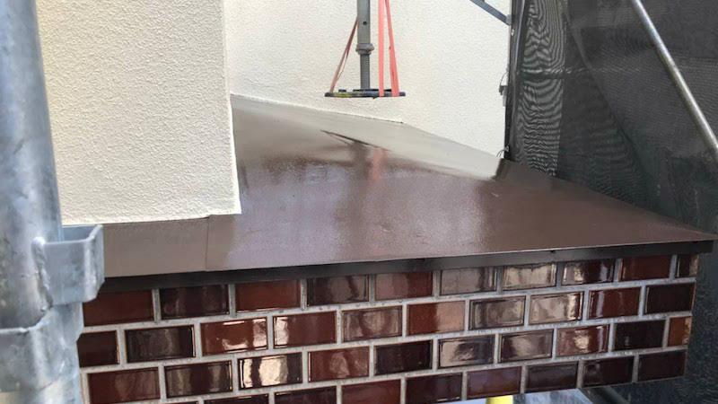 玄関下屋根の塗装