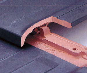 防災瓦のロック構造