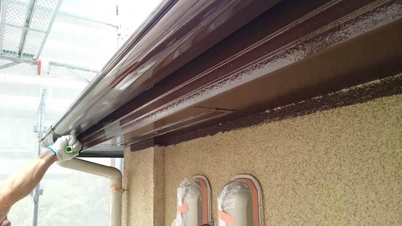 外壁塗装の破風板と軒天塗装