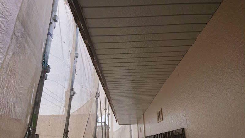 軒天の塗装後の様子