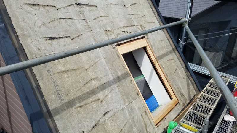 トップライトの木枠の補修