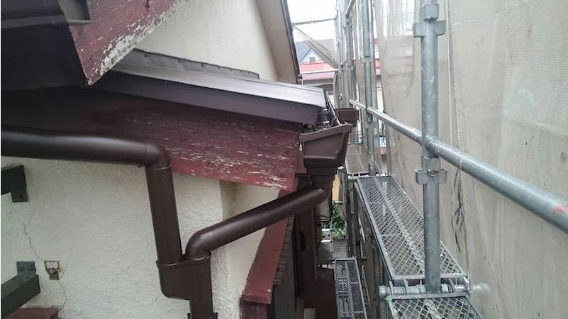 雨樋の取り付け
