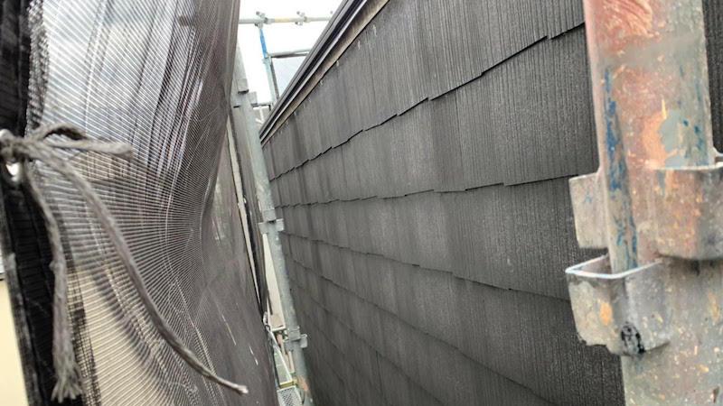 屋根塗装の下塗り施工後の様子