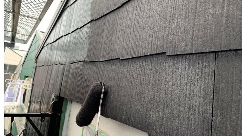 外壁塗装の中上塗り
