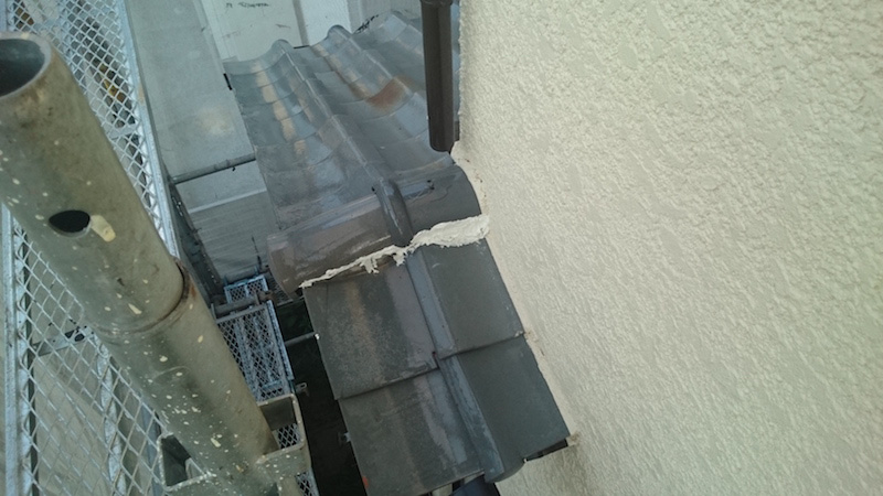 棟瓦の漆喰の劣化症状
