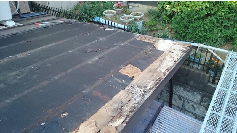 既存の屋根材の撤去