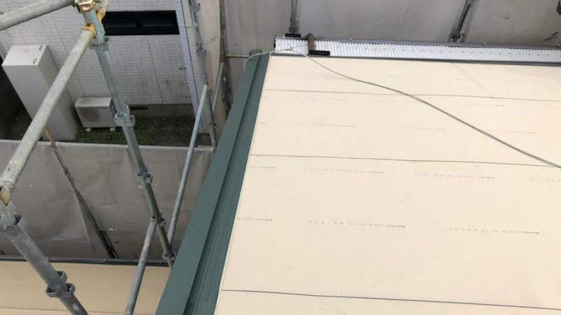 大屋根のケラバ水切りの施工
