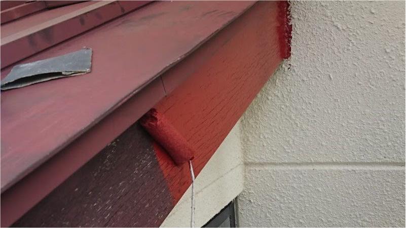 破風板塗装の下塗り