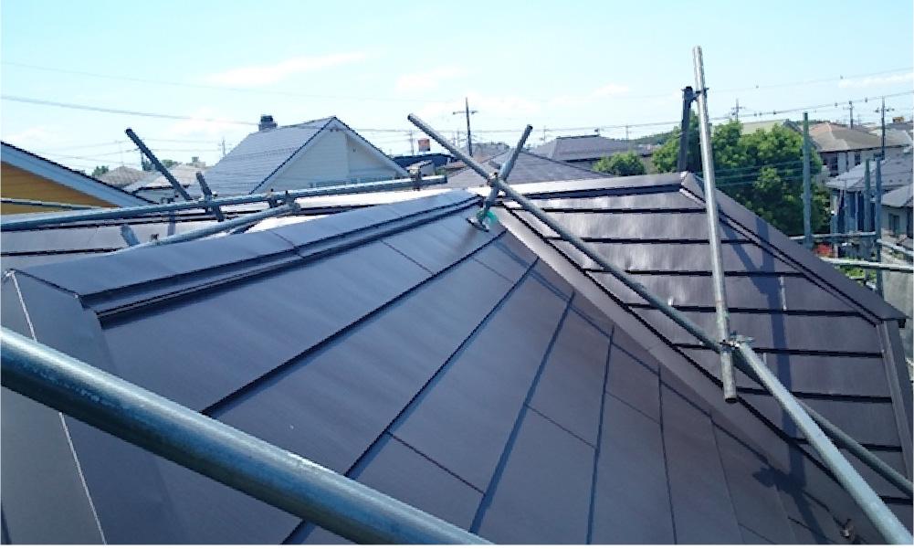 足立区の屋根カバー工法の施工事例