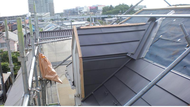 屋根本体(ガルバリウム鋼板の施工)
